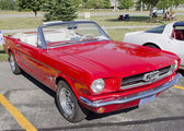 Red Ford Mustang Convertible — Stock Photo