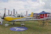 Yellow Cirrus R22 Plane — Stock Photo