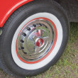 1957 Chevy Convertible White Wall Tire — Stock Photo