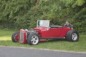 Rode 1927 ford roadster zijaanzicht — Stockfoto