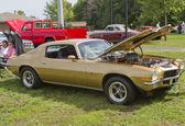 Gouden z28 chevy camaro — Stockfoto