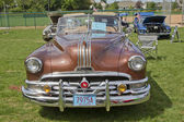 1951 Pontiac Chieftain front view — Stock Photo