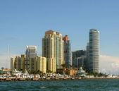 Waterfront apartments in Miami — Stock Photo