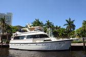 Yacht in waterway — Stock Photo