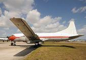 Vecchio aeroplano elica — Foto Stock