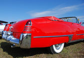 Czerwony samochód starodawny — Zdjęcie stockowe