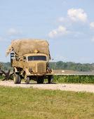 Vojenské nákladní automobil — Stock fotografie