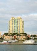 Waterfront apartments — ストック写真