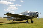Oude verlaten vliegtuig — Stockfoto