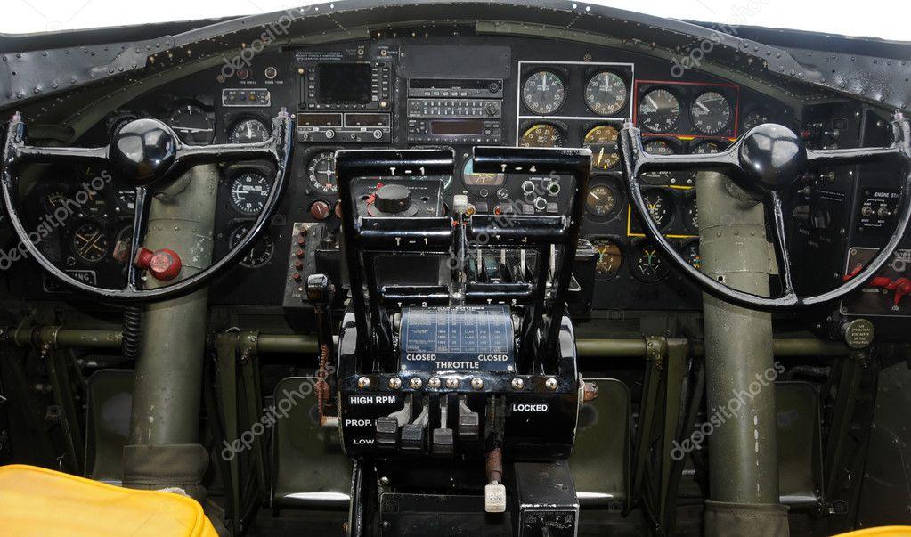Cabina di pilotaggio aereo foto stock 11658859 for Piani di cabina contemporanei