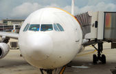 Jetliner front view — Stock Photo