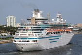 Modern cruise ship — Photo