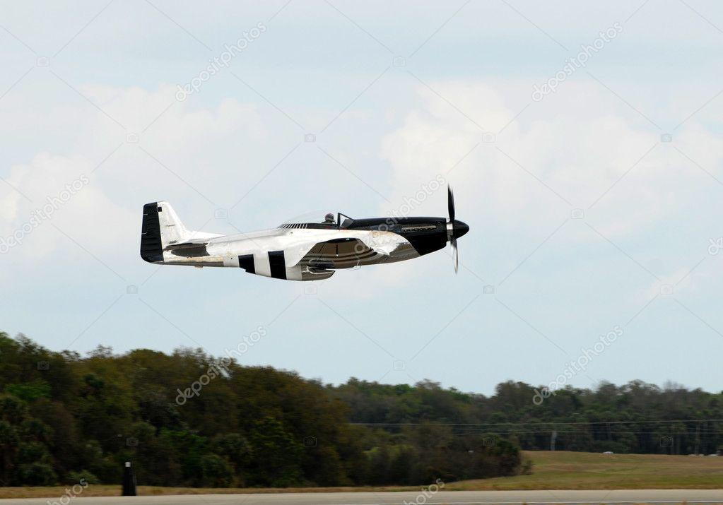 战斗机的老飞机 — 图库照片08icholakov01