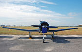 Propeller airplane front view — Stock Photo