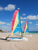 Sailboat on a beach — Stock Photo