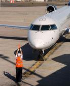 Avión llegando — Foto de Stock