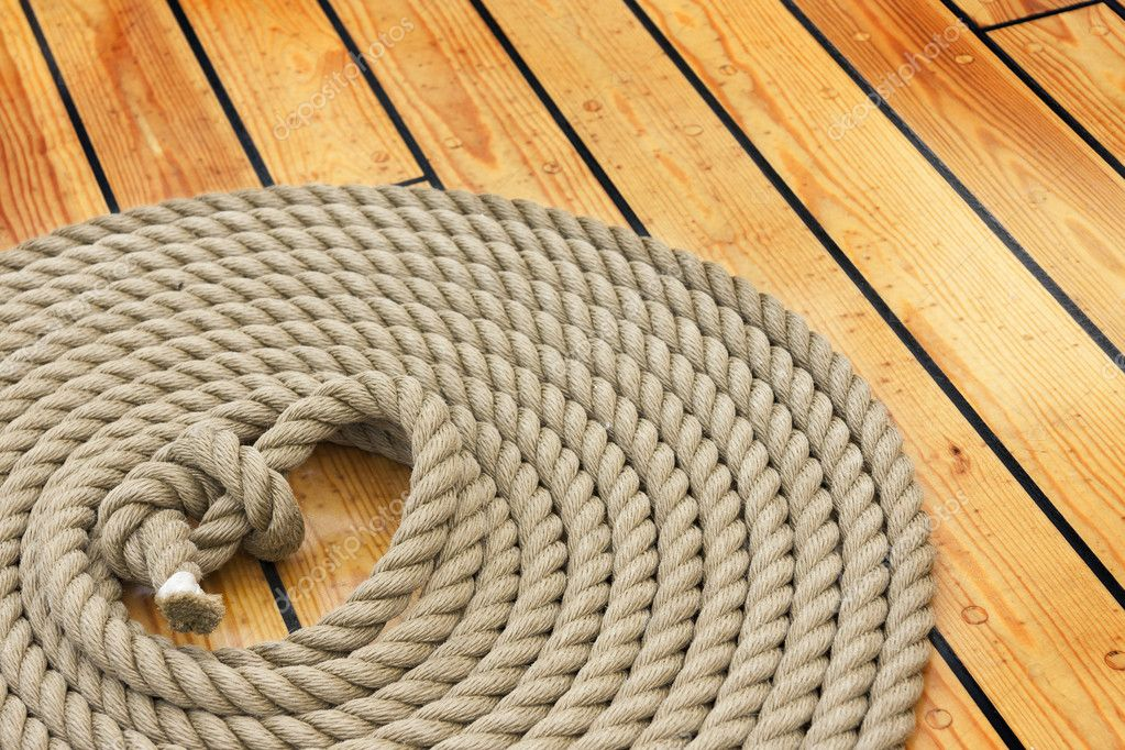 depositphotos_11938943-Thick-rope-on-woo