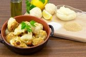 Cauliflower au gratin with béchamel — Stock Photo