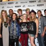 L-R) Singers Shannon Magrane, Jeremy Rosado, Skylar Laine, Erik — Stock Photo #11674651