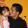 Mario Lopez and daughter — Stock Photo