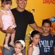 Mario Lopez and daughter (in his arms), and his neices and nephew — Stock Photo #11691906