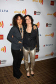Linda Perry, Sara Gilbert — Stock Photo