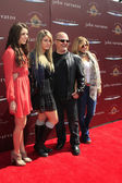 Michael Chiklis, wife Michelle, daughters Autumn, Odessa — Stock Photo