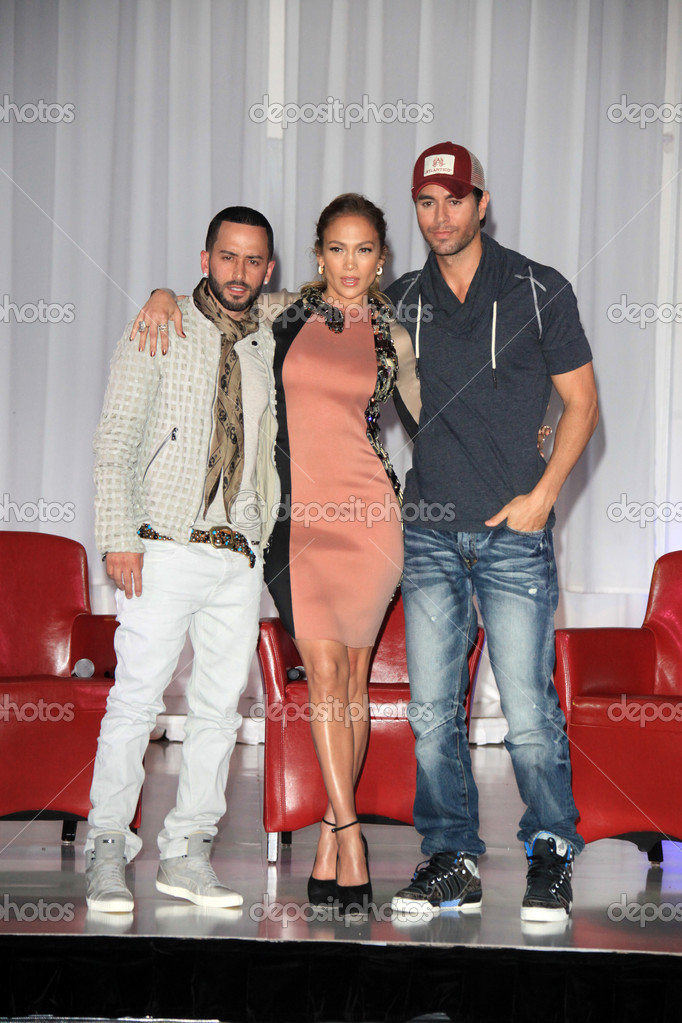 LOS ANGELES - APR 30:  Yandel, Jennifer Lopez, Enrique Iglesias at a press conference for Yandel, Jennifer Lopez and Enrique Iglesias to announce their Summer Tour at Boulevard3 on April 30, 2012 in Los Angeles, CA — Stock Photo #11704325