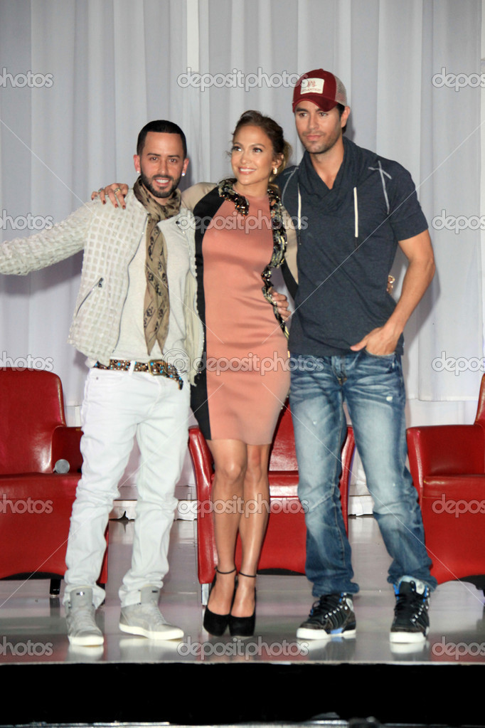 LOS ANGELES - APR 30:  Yandel, Jennifer Lopez, Enrique Iglesias at a press conference for Yandel, Jennifer Lopez and Enrique Iglesias to announce their Summer Tour at Boulevard3 on April 30, 2012 in Los Angeles, CA — Stock Photo #11704356
