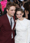Robert Pattinson and Kristen Stewart — Stock Photo