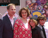 Joan Cusack and family — Stock Photo