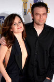Elizabeth Reaser and Justin Kirk — Stock Photo