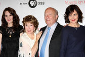 Michelle Dockery, Shirley MacLaine, Julian Fellowes, Elizabeth M — Stock Photo