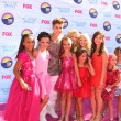 Dance Moms Cast with Justin Bieber — Stock Photo