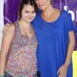 Nancy Lee Grahn, and daughter — 图库照片