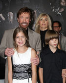 Chuck Norris, family — Stock Photo
