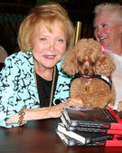 Lee Bell, with her service dog Joy Bell — Stock Photo