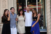 Valerie Bertinelli, Son Wolfgang Van Halen, and husband and his childrens — Stock Photo