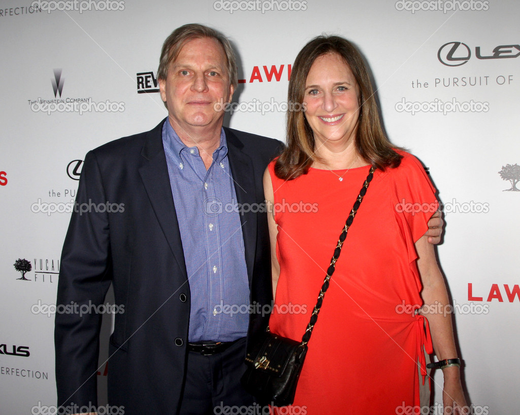 LOS ANGELES - AUG 22:  Douglas Wick, Lucy Fisher arrives at the Lawless LA Premiere at ArcLight Theaters on August 22, 2012 in Los Angeles, CA — Stock fotografie #12355987