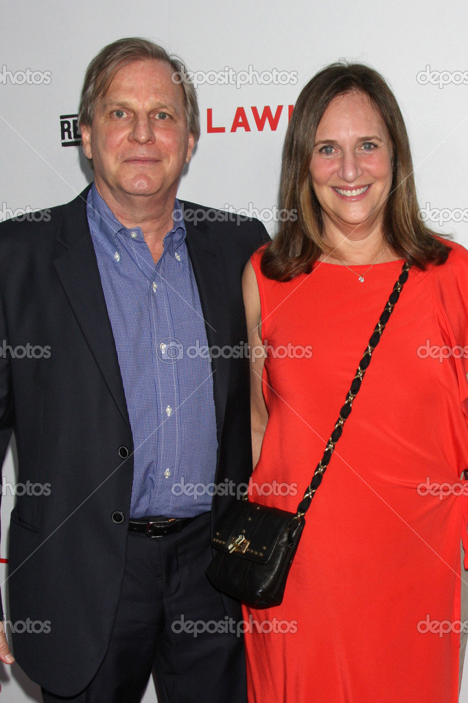 LOS ANGELES - AUG 22:  Douglas Wick, Lucy Fisher arrives at the Lawless LA Premiere at ArcLight Theaters on August 22, 2012 in Los Angeles, CA — Foto de Stock   #12355996