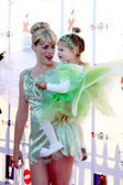Busy Philipps and Daughter Birdie — Stock Photo