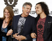 Eric Roberts, wife Eliza and stepson Keaton Simons — Stock Photo