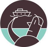 Muž s lodí v pozadí — Stock fotografie