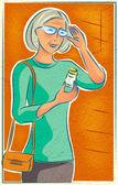 Een oudere vrouw kijken naar haar medicatie fles — Stockfoto