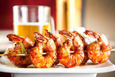 Shrimp grilled with beer — Stock Photo