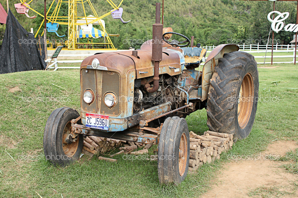 Old tractor  — Stock Photo #12069515