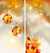 Set of two greeting-cards of Bright Christmas background with two evening balls and gift — Stock Vector