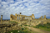 Volubilis, roman ruins near city of Fes in Morocco — Stock Photo