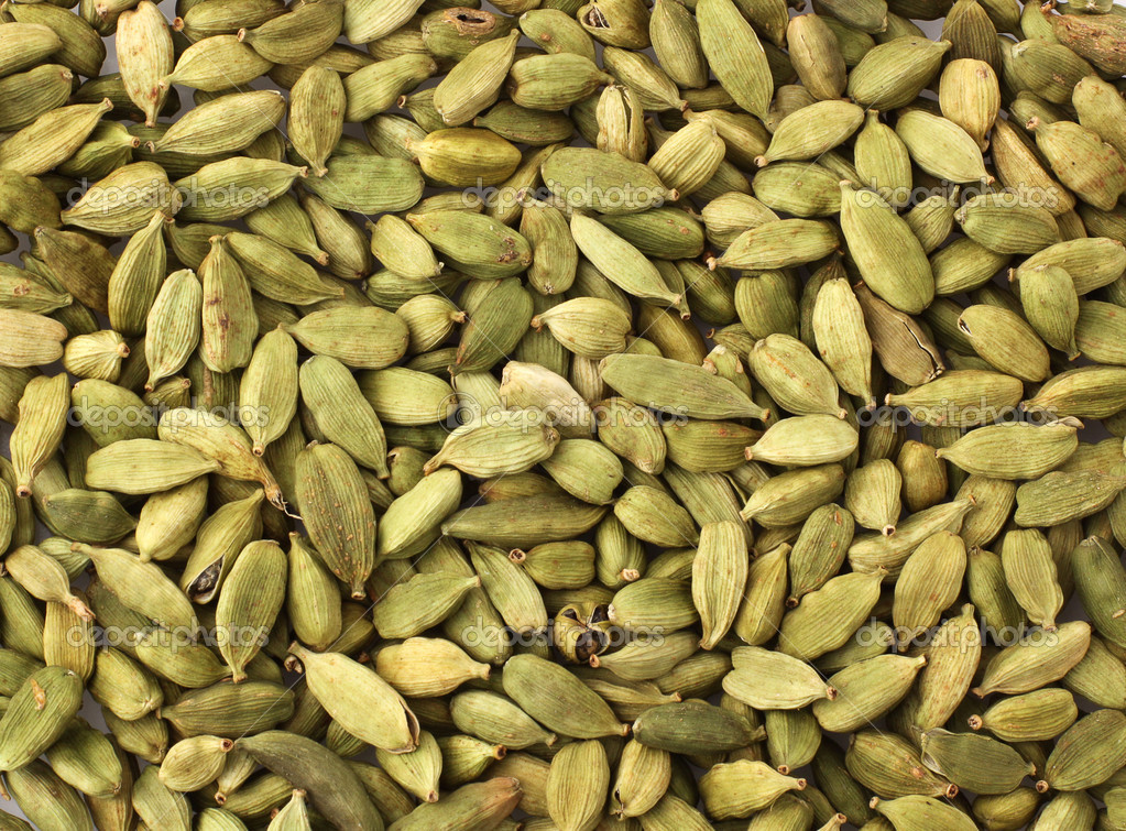 Green cardamom seeds — Stock Photo #11810974