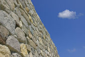 Old wall with sky — Foto de Stock
